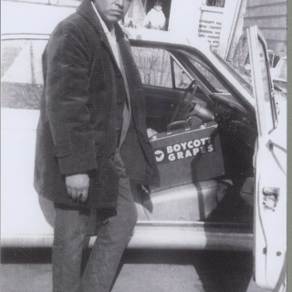 BOYCOTTER ROBERTO BUSTOS TAKES A BREAK, SHOWN HERE IN KANSAS CITY, KANSAS IN 1968.