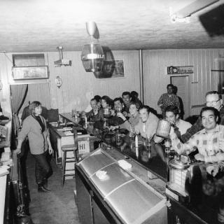 People\'s Bar Delano CA 1965 / Photo by Jon Lewis